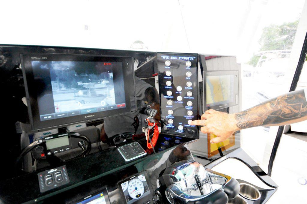 Bimini-Custom-Center-Console-Blue-Bright-Action-We-Be-Fish'n-Cockpit-Guages-2