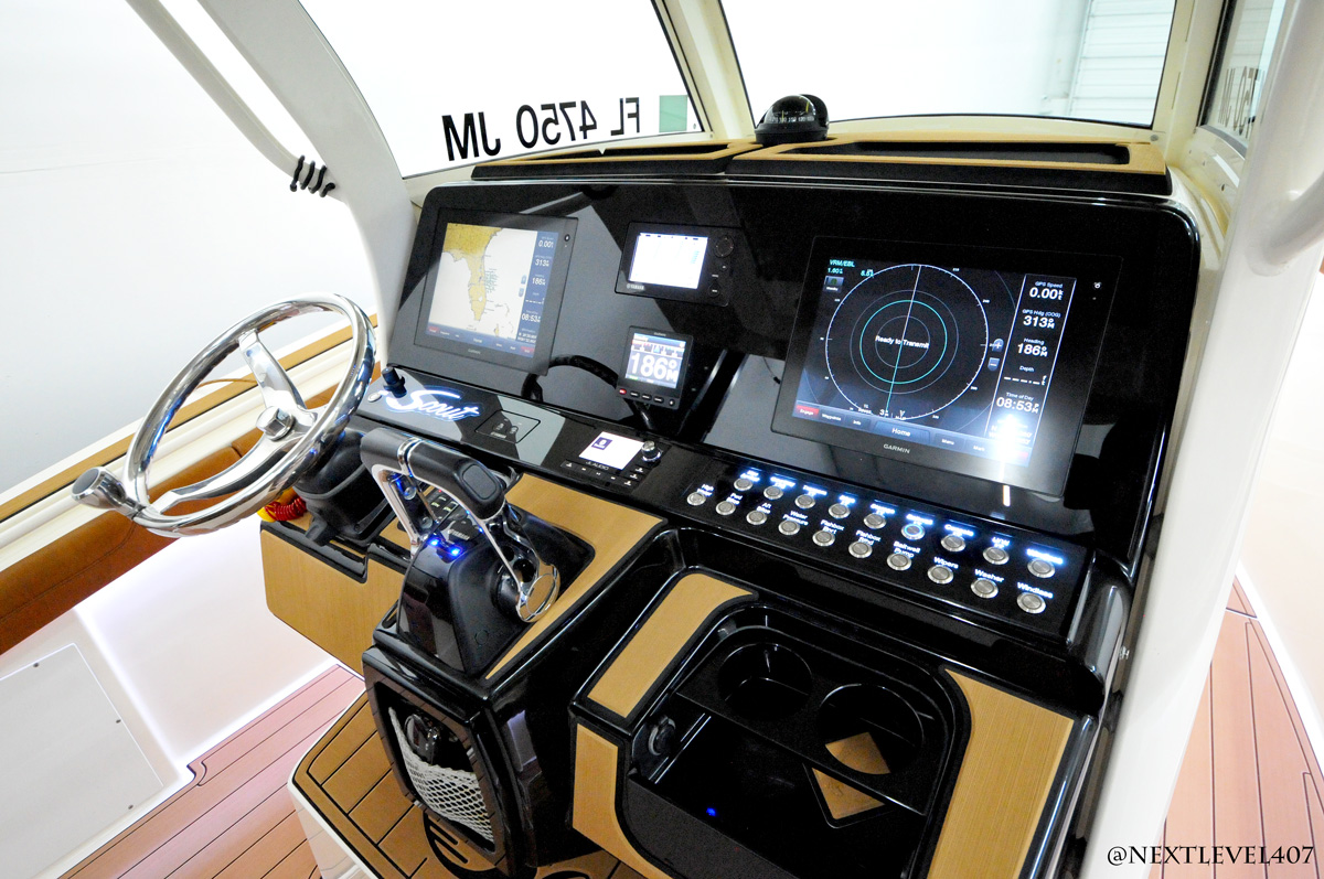 Full-Acrylic-Dash-And-Switches-Helm-Scout-Boats-Lights-and-Dash
