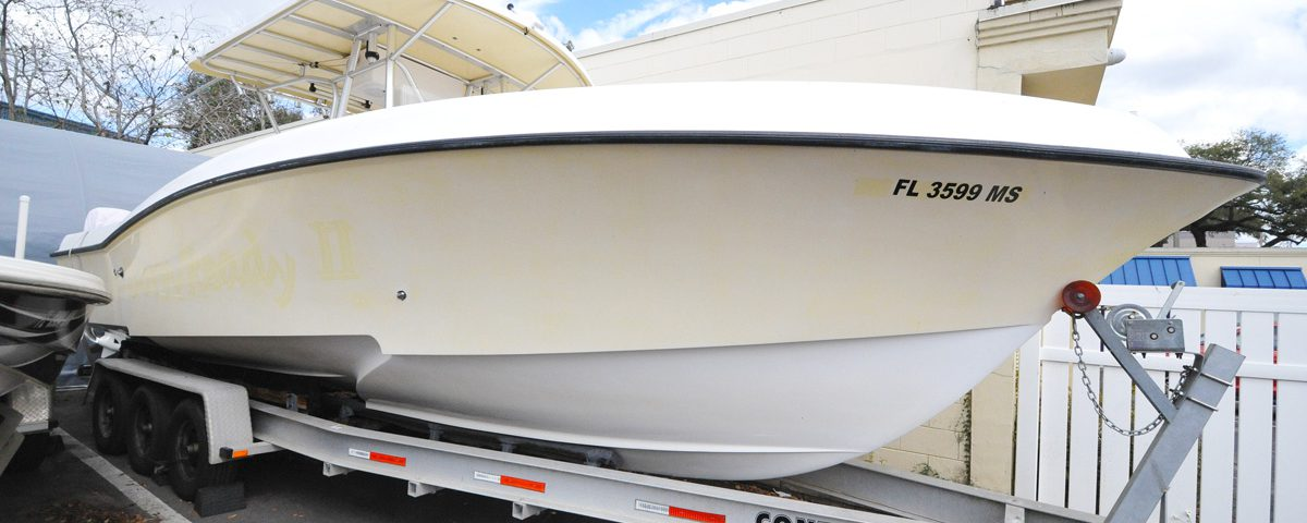 Yellow-Boat-Acrylic-Dash-On-Continental-Trailer-Full-Front-Starboard-Profile